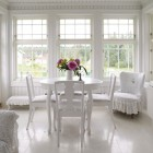 Romantic White Dining Room with Beatuiful Flower Decor