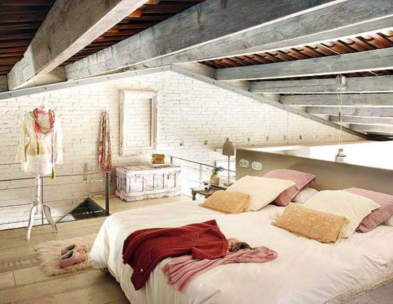 Vintage Main Bedroom with Red Elements