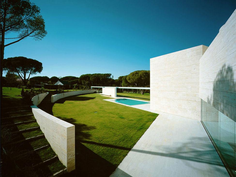 White Walls and Green Grass Garden