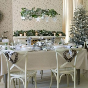 Beautiful Green and Cream Dinning Table Decor for Christmas