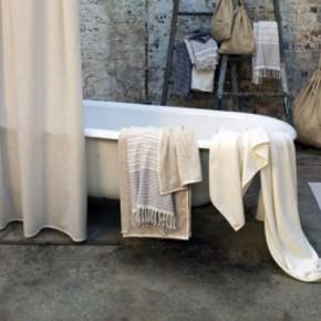 Inspiring Classic Natural Bathtub Design