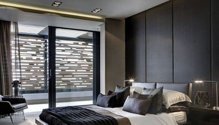 Modern main bedroom with wall wall leather panels for Main bedroom wall ideas