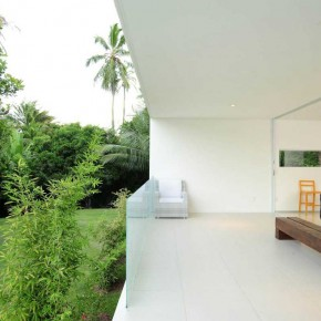 Open Living Room Tropical House Design