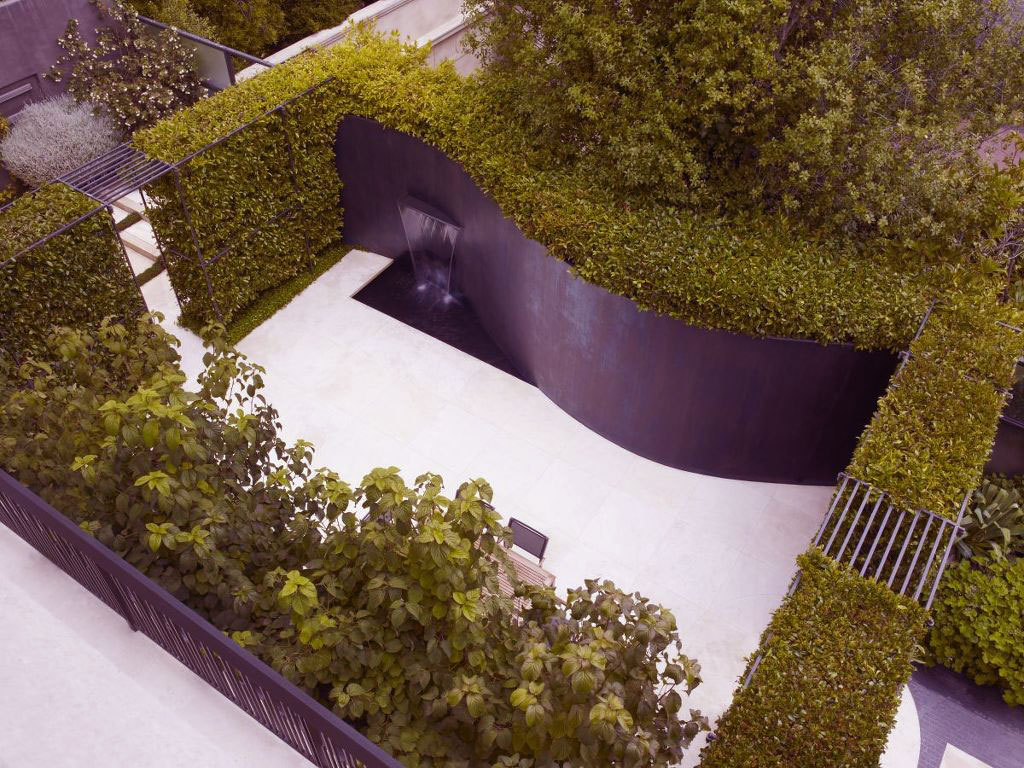 Water Feature Curved Garden Design Ideas