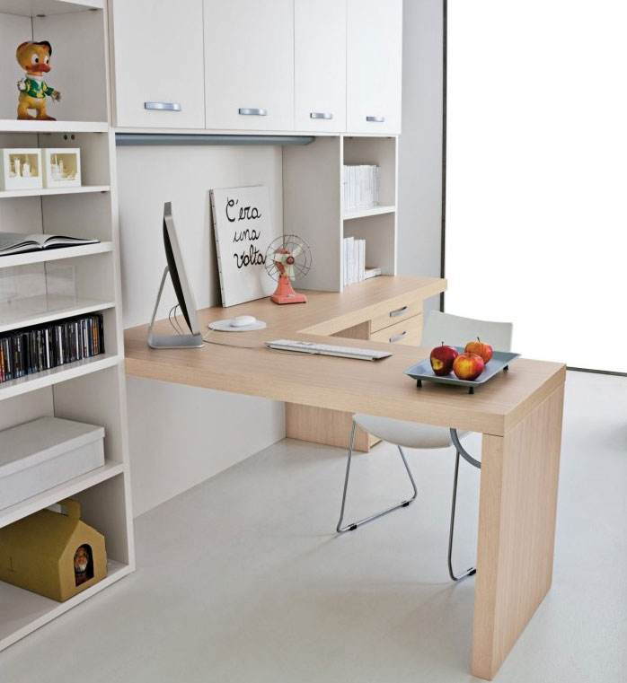 Wood Color Mac Desk for Kids
