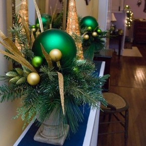 Cool Green Ball Christmas Design Inspirations