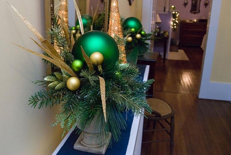 Cool Green Ball Christmas Design Inspirations
