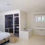 Bedroom Ensuite Steam Room in One Areas