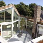 Contemporary Courtyard Glass Villa Design