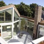 Contemporary Courtyard Glass Villa Design