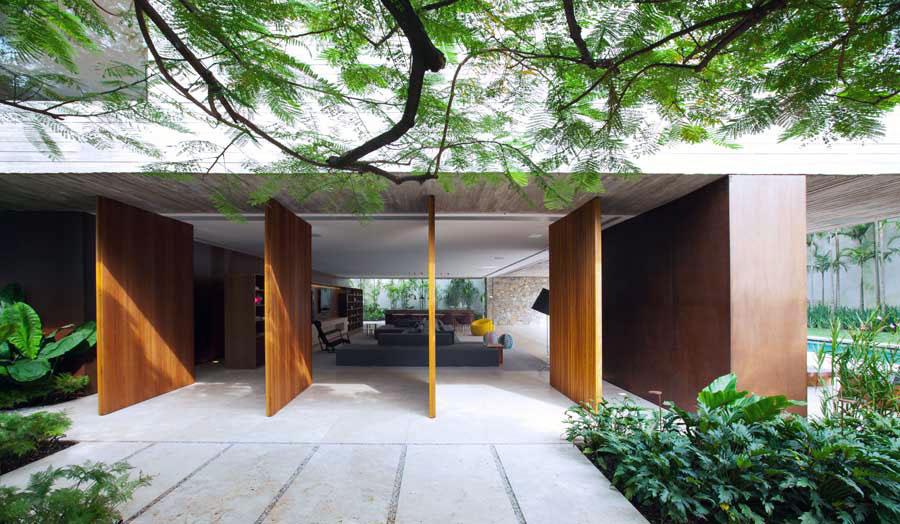 Cool Wall Swiveling Garden Doors Design
