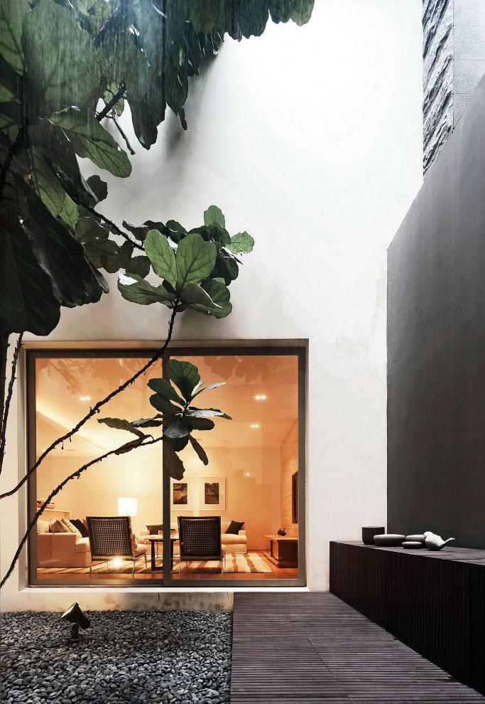 Courtyard Retractable Glass Design