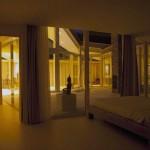 Minimalist Bedroom Large Curtain Ideas