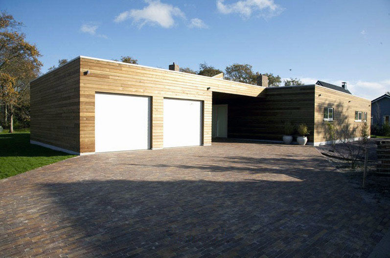 Modern Double Garage with Electric Rolling Door - Interior Design ...