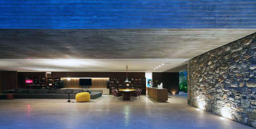 Modern Villa With Outdoor Rock Wall Interior Design Ideas
