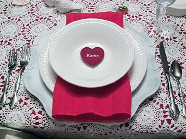 Romantic Table Manners with Pink Ornament