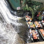 Amazing Waterfalls Restaurant in Villa Escudero