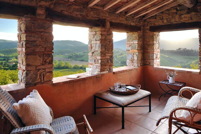 Beautiful rustic italian villa in the lush umbrian for Balcony in italian