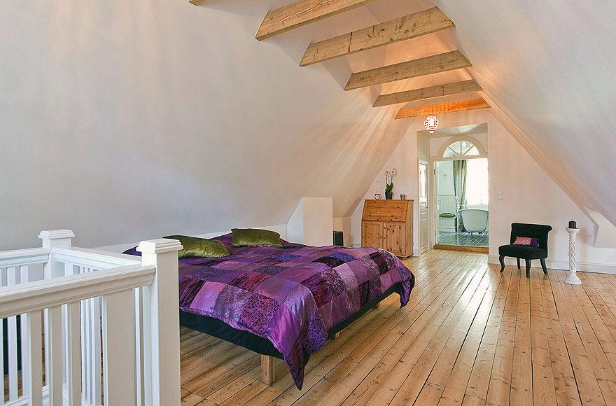 attic construction ideas - Attic Bedroom with Wooden Floor Ideas Interior Design Ideas