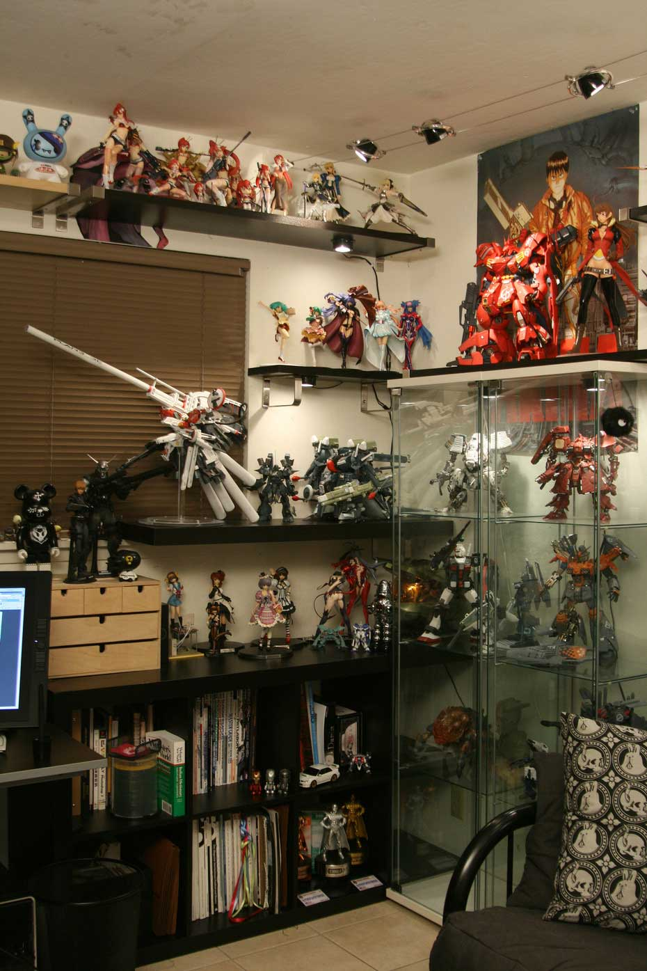 Cool Gundam Collector Cabinet Ideas