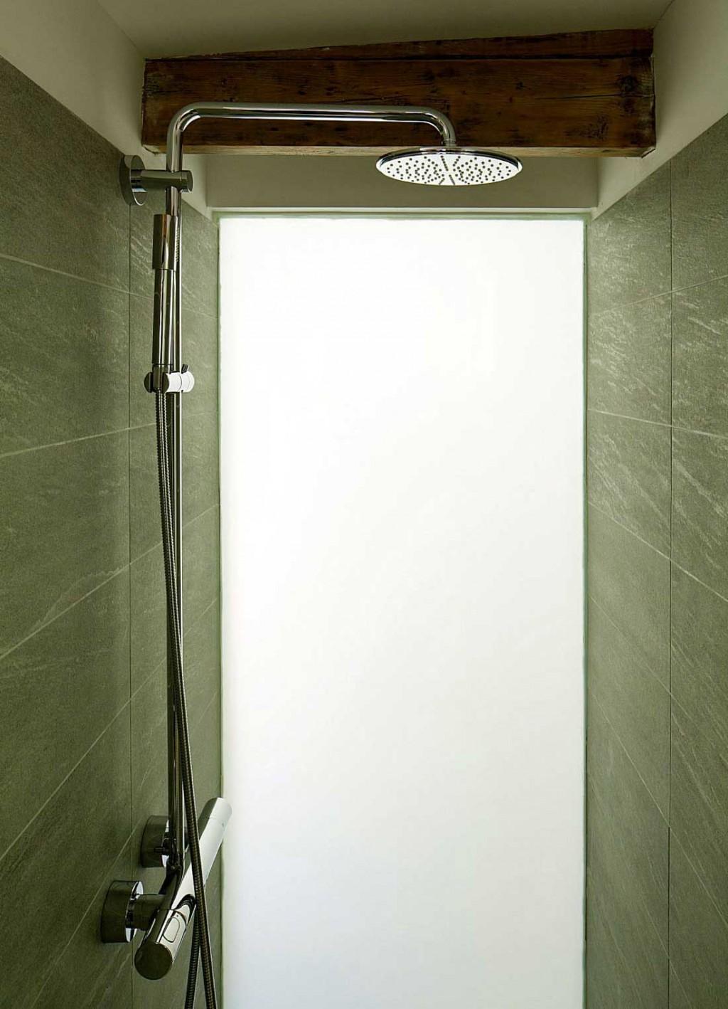 Modern Stand Shower Design