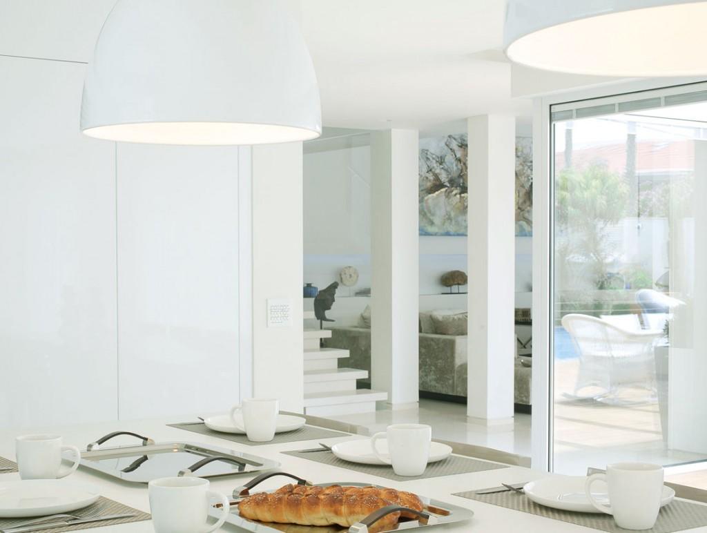 Modern White Dinning Room Design