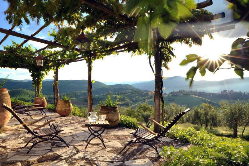 Outdoor patio design with vineyards interior design ideas for Italian patio design