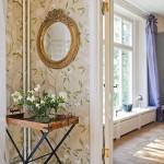 Round Mirror Corner With Gold Frame
