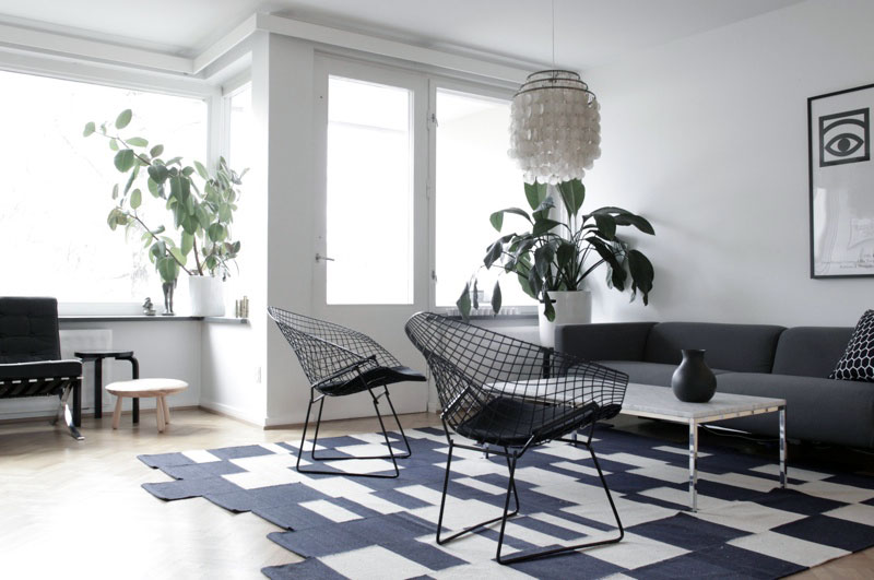 Simple Black White Living Room with Net Chairs