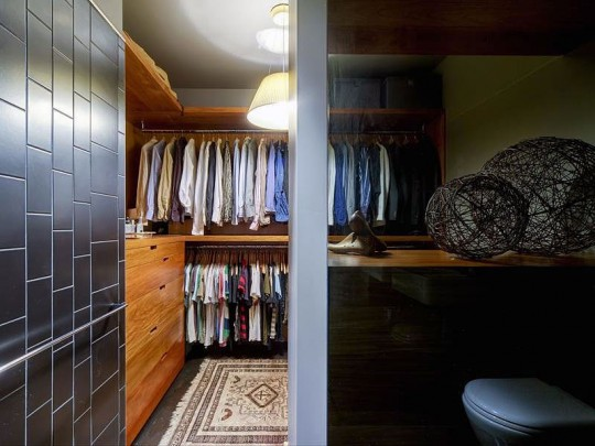 Small Walk in Closet Apartment Design