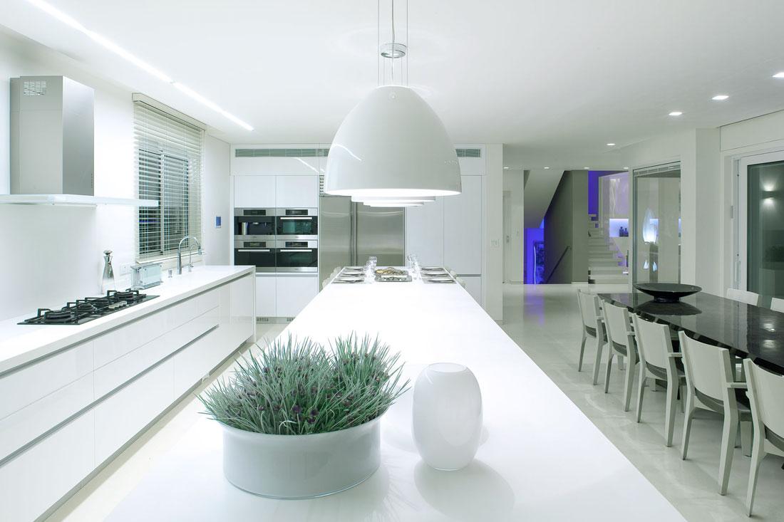 White kitchen countertops design