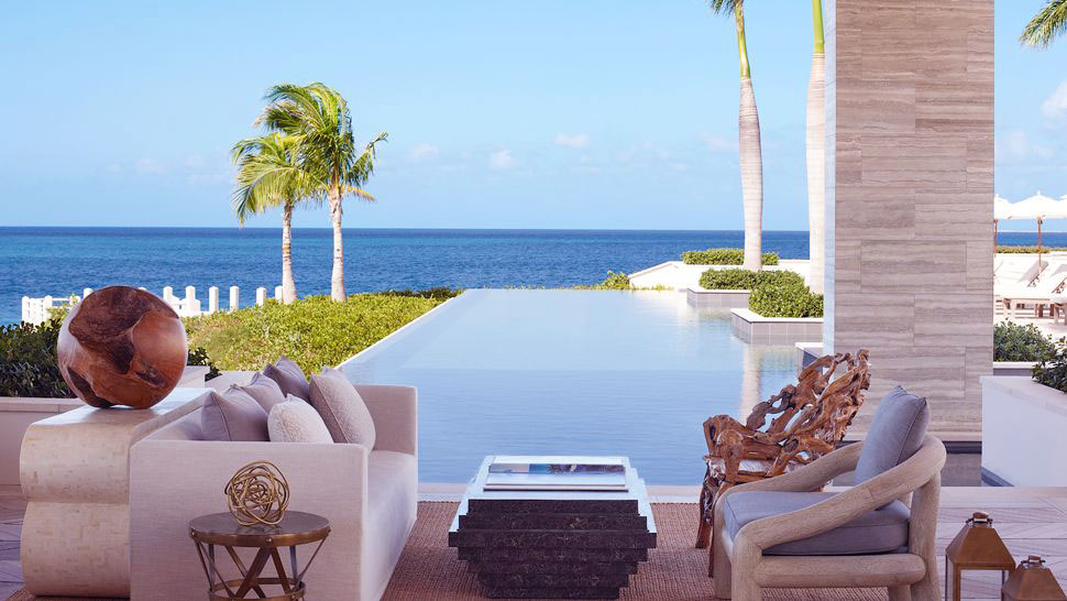 Amazing Patio with Infinity Pool and Ocean Panorama