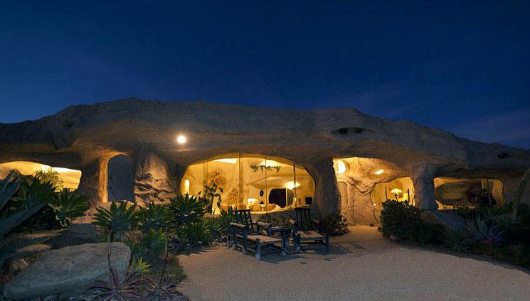 Cozy and Romantic Outdoor Lounge Malibu