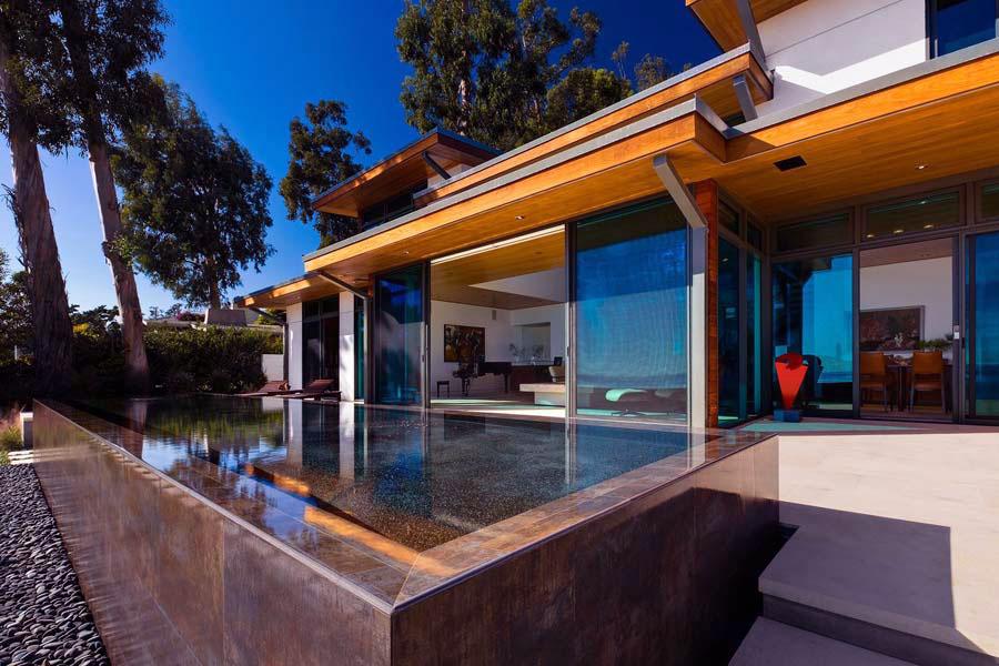 Modern Warm Summer Pool Design