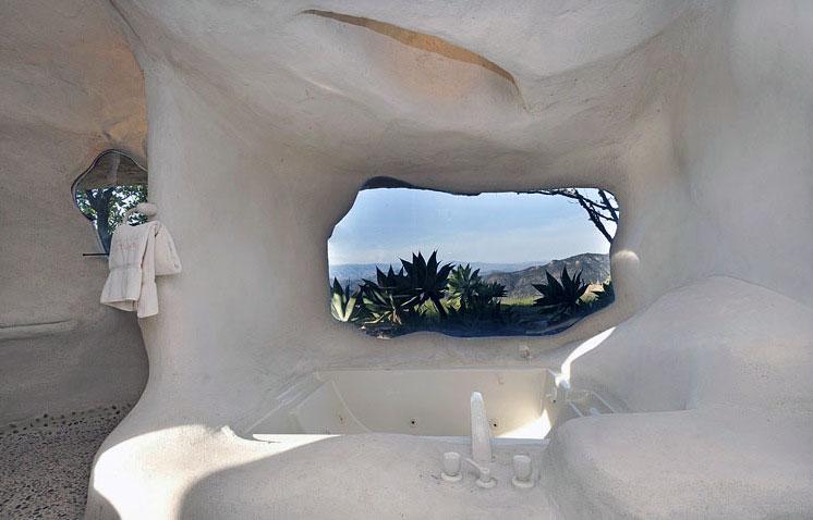 Unique Bath Up in Cave House with Malibu Sea View