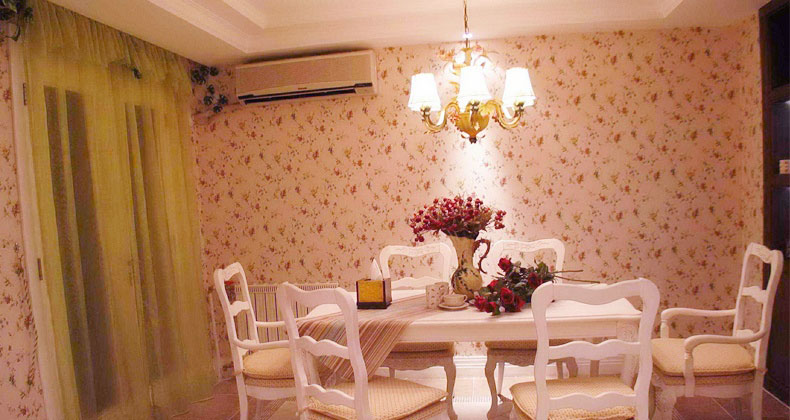 Beautiful Dining Room Floral Wallpaper Decor - Interior ...