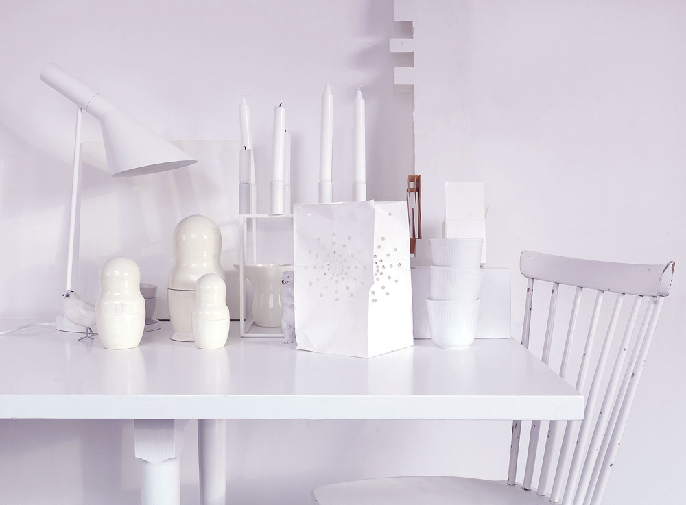 Clean White Table Decor Photo Ideas