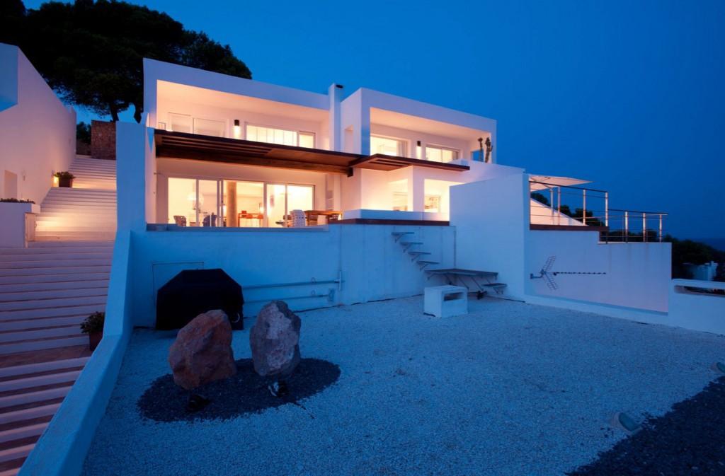 Modern Sea Villa Design Ideas
