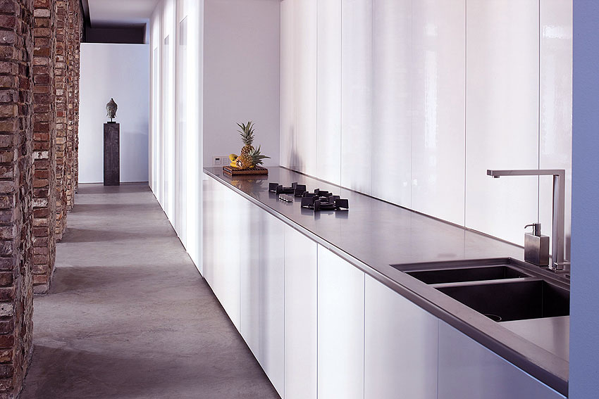 Modern White Gloss Kitchen Units Design