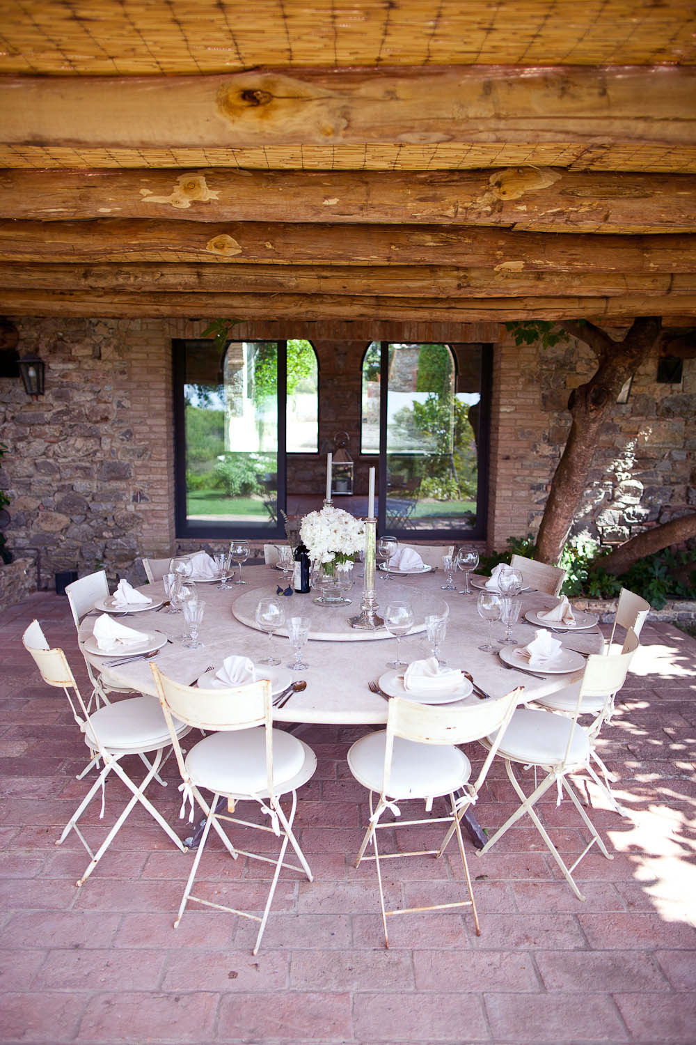 Outdoor Dining Room with White Table and Table Manner ...