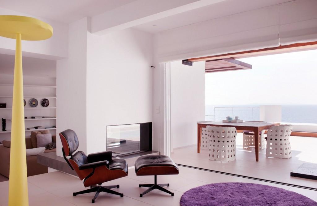Retractable Glass Doors Living Room to Patio