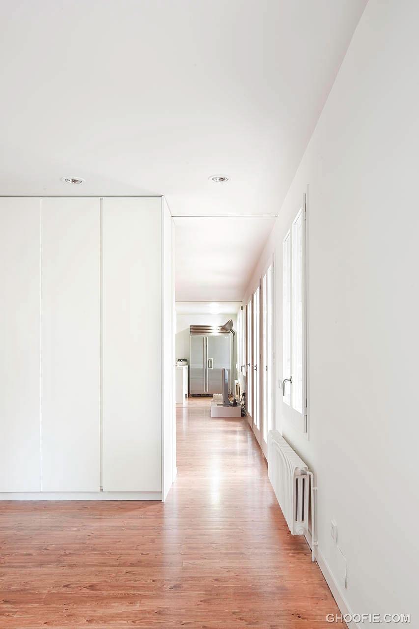 Elegant Hallway White Bonanova Apartment