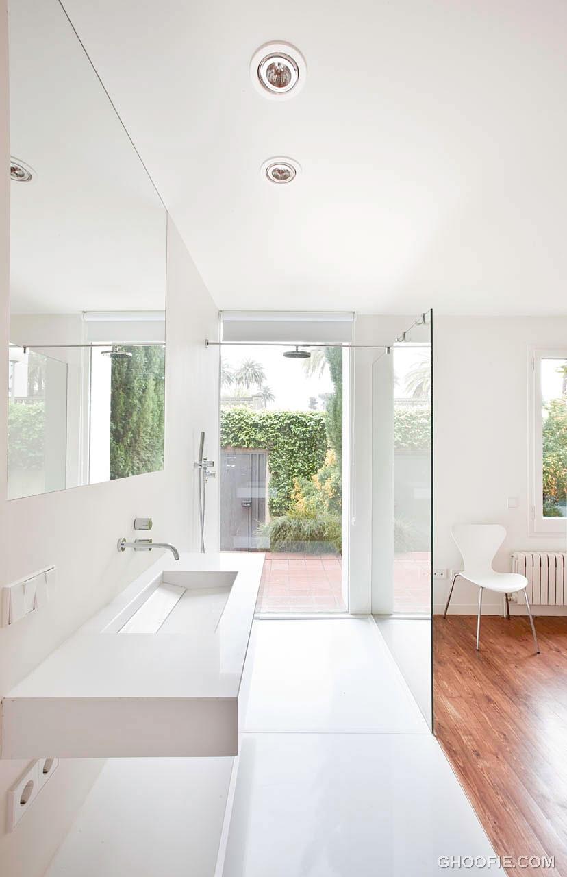 White Countertop Block Washbasin Design