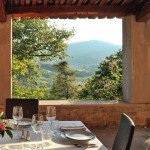 Alfresco Dining with Beautiful Vineyards View