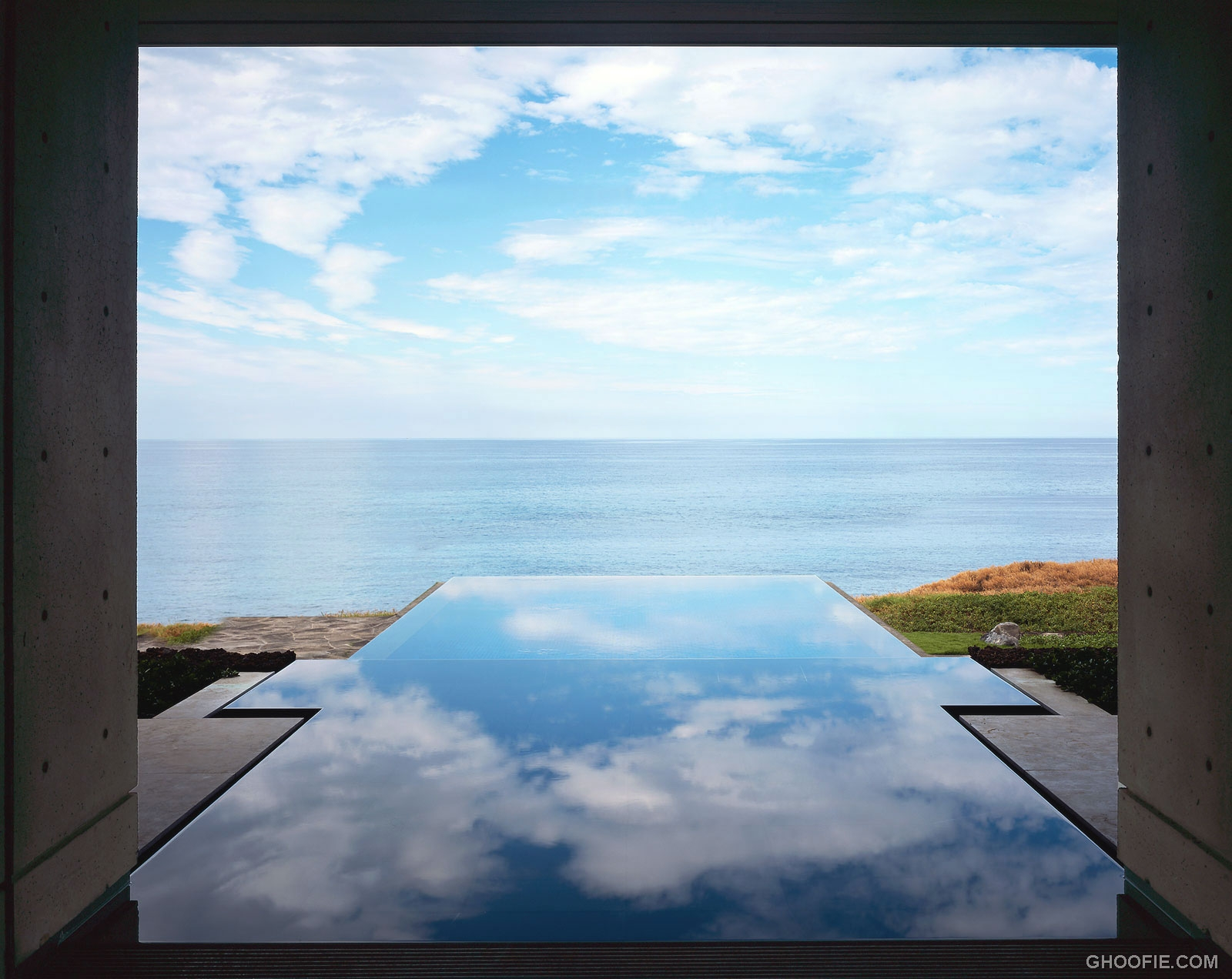 Amazing Infinity Pool With Pacific Ocean View Interior