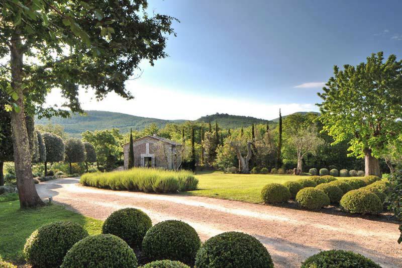 Fresh and Bright Italian Farmhouse