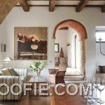Italian Living Room Decor with Romanesque Features