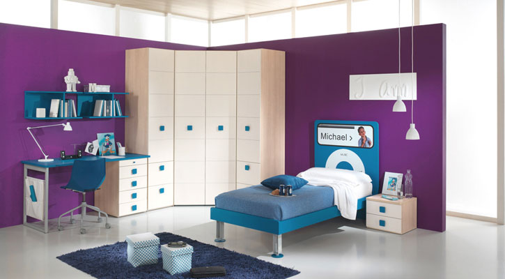 Purple and blue boys bedroom with ipod nano decor for Blue purple bedroom ideas