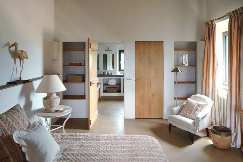 White Neutral Bedroom Interior Decor