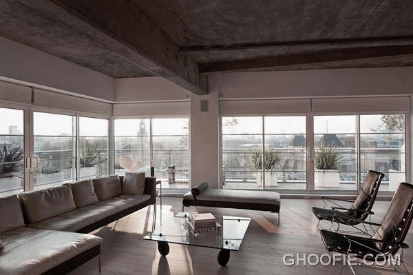 Bright Living Room Loft Design with Concrete Ceiling